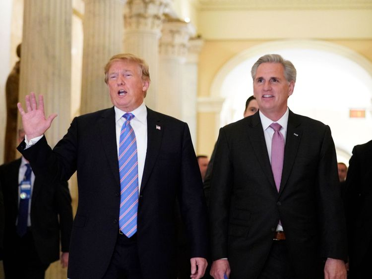 Donald Trump (L) with US House Majority Leader Kevin McCarthy after a closed-doors meeting