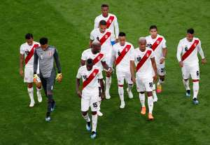 Soccer Football - World Cup - Group C - France vs Peru - Ekaterinburg Arena, Yekaterinburg, Russia - June 21, 2018   Peru's Andre Carrillo and team mates leave the pitch at half time          REUTERS/Andrew Couldridge     TPX IMAGES OF THE DAY