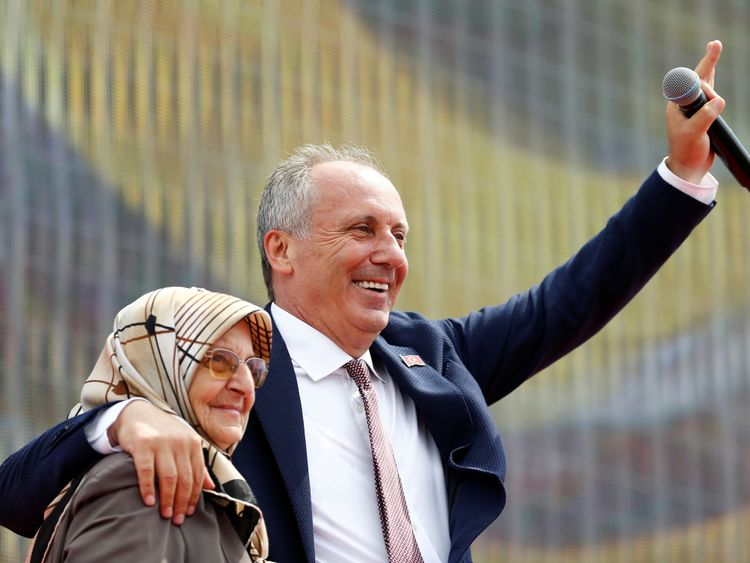 Ince with his mother Zekiye at the rally