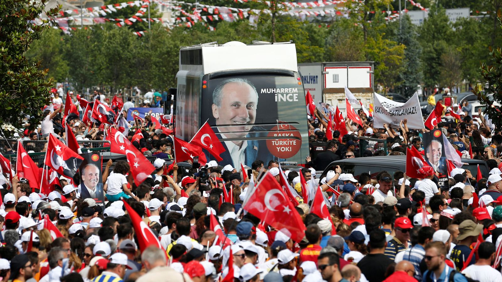 Final rallies in Turkey ahead of crucial election (Details)