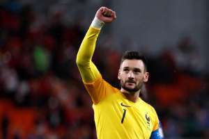 Soccer Football - World Cup - Group C - France vs Peru - Ekaterinburg Arena, Yekaterinburg, Russia - June 21, 2018   France's Hugo Lloris celebrates victory after the match     REUTERS/Damir Sagolj