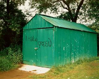 Mewn parc ym Mhontypridd, 1985