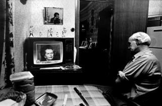 Gwylio'r newyddion yn 1985