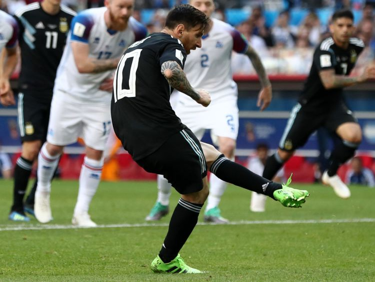 Lionel Messi fails to convert from the spot against Iceland