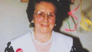 Elsie Devine
